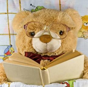 Prezentuję misia w piżamce i kilka książek na dobranoc