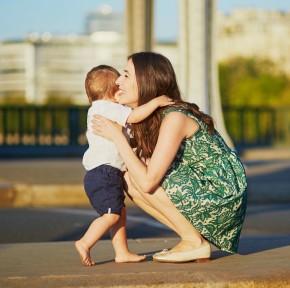 7 prezentów dla młodej mamy